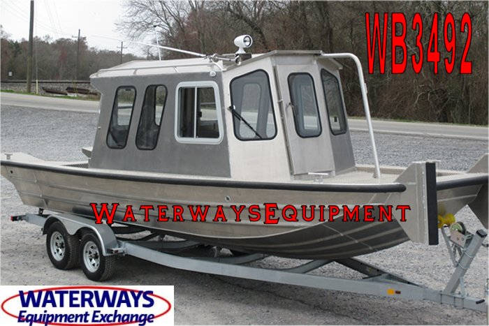 WB3492 - 24' x 7' ALUMINUM SINGLE ENGINE WORK BOAT